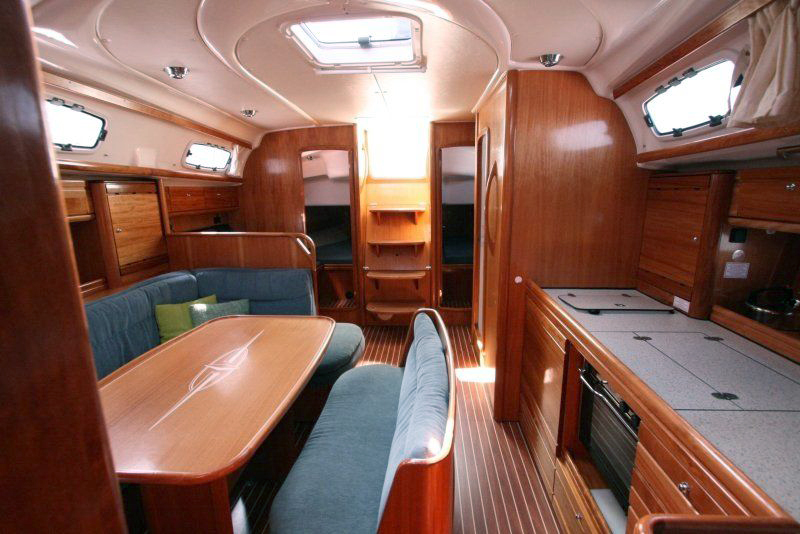 bavaria 39 cruiser ionian yachts yacht charters in greece lefkas. Black Bedroom Furniture Sets. Home Design Ideas